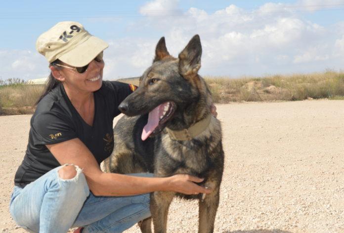 ESCAN ofrece terapias asistidas con perros adiestrados para mujeres y menores que conviven en la unidad familiar y sufren las consecuencias de la violencia machista.
