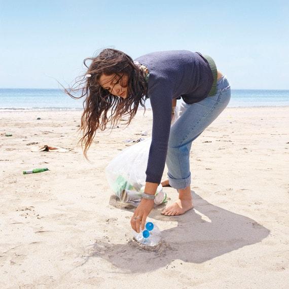 importancia de limpiar la playa