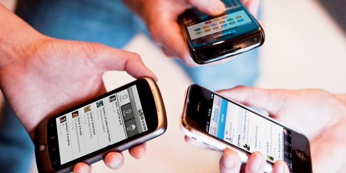 peligros de publicar información por redes sociales adolescentes